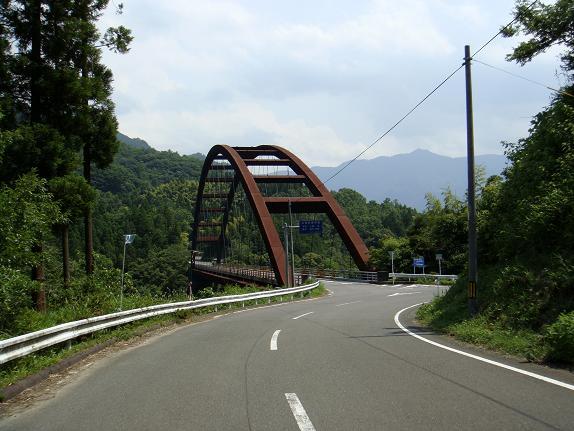 あの橋を渡ると思ってたのに・・・.JPG