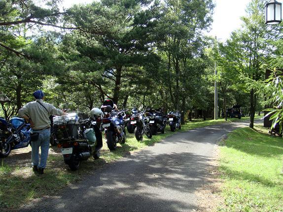 実はバイクでキャンプ場ってはじめてなのだ.JPG