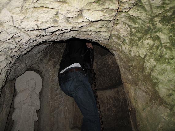 極楽浄土はこの竪坑を登るのだ.JPG