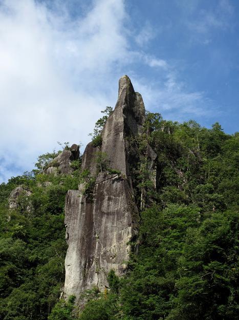 耶馬溪の奇岩.JPG