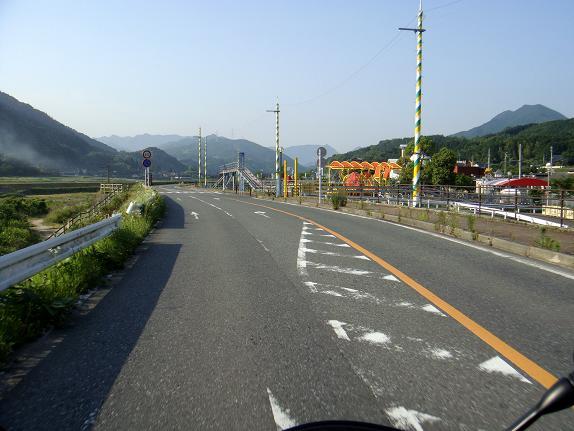 英彦山川沿いを走ります.JPG